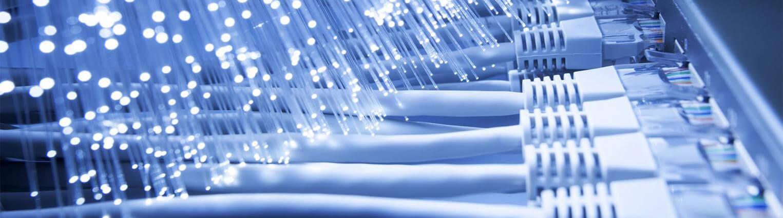Internet de fibra óptica: as vantagens do sinal na velocidade da luz